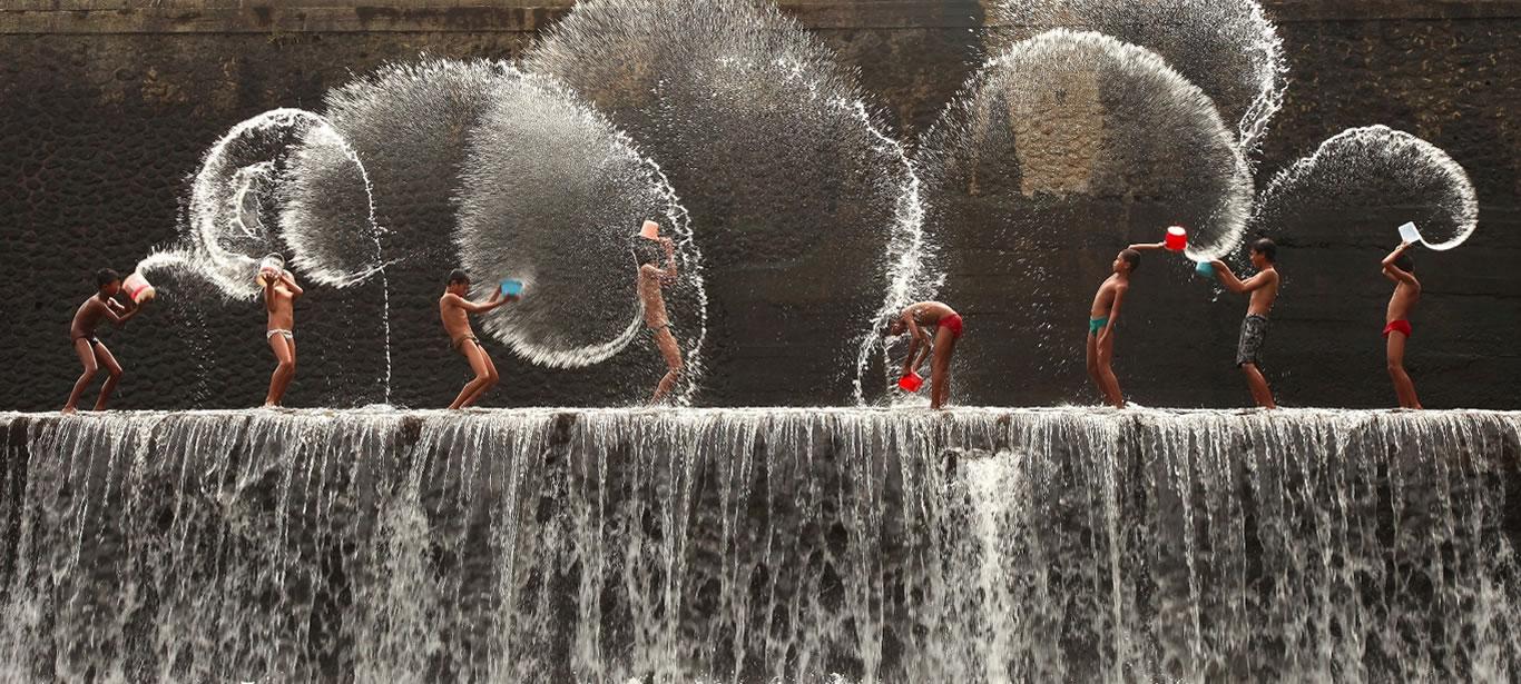 Fountain 1366px